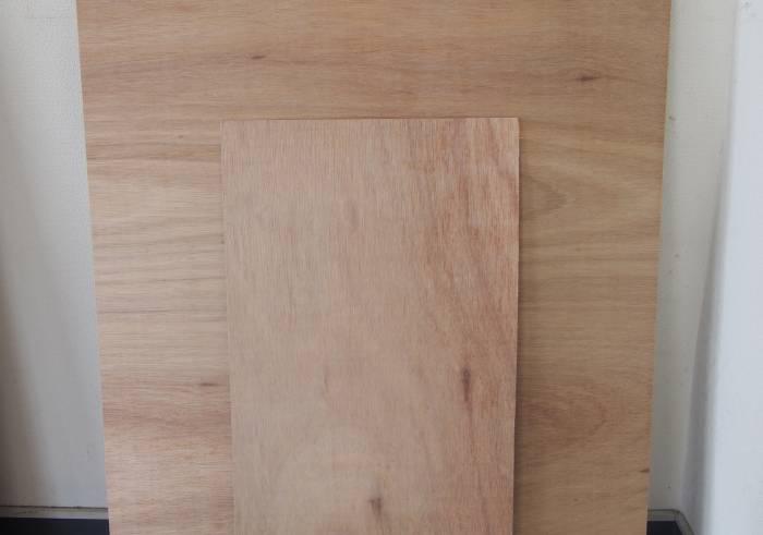 1.ベニヤ板を大・小のサイズにカットします。カットはホームセンターで好みの大きさにカットしてもらえます♪