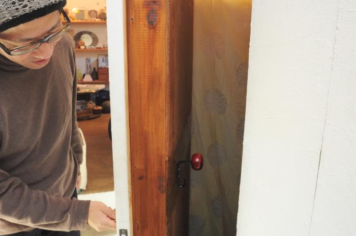 こちらも自分で作ったという防音扉。驚きです